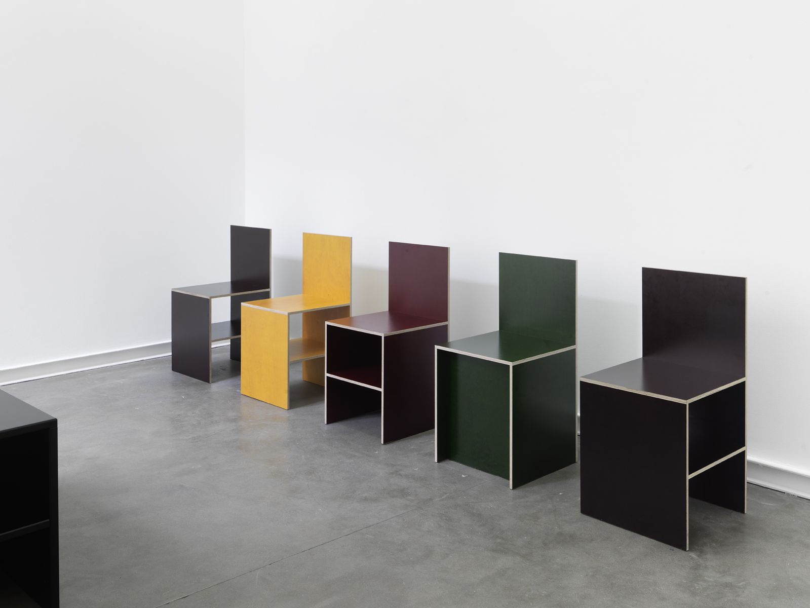 In color donald judd furniture for Minimal art opere